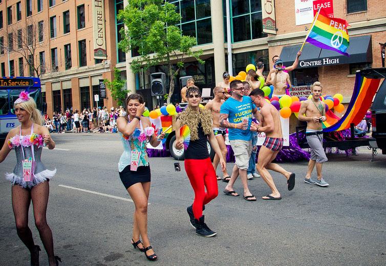 Edmonton Pride Parade 2011. Foto: Kurt Bauschardt, licens: CC BY SA 2.0